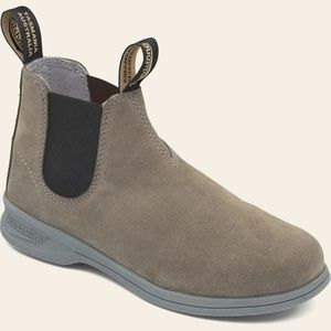 Blundstone || 1397 Active Chelsea Boots US W 8